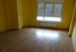 Piso de 3 dormitorios, Piringalla