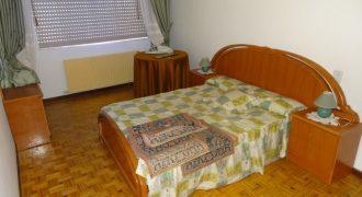 Piso de 3 dormitorios, Calle Conde