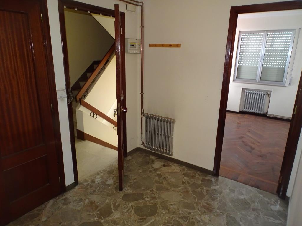 Piso de 4 dormitorios, Lamas de Prado