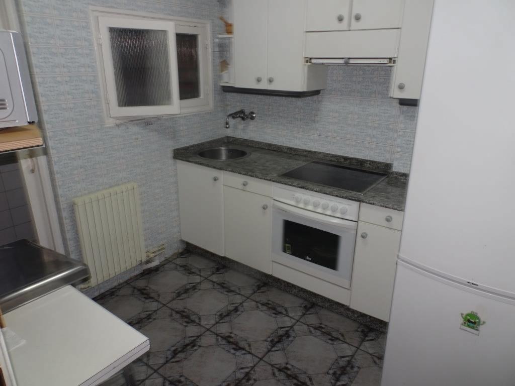 Piso de 3 dormitorios, Calle Portugal