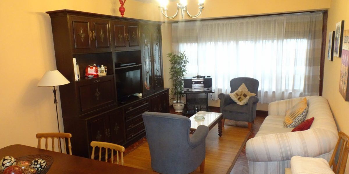 Piso de 5 dormitorios, Santa Cristina-Oleiros