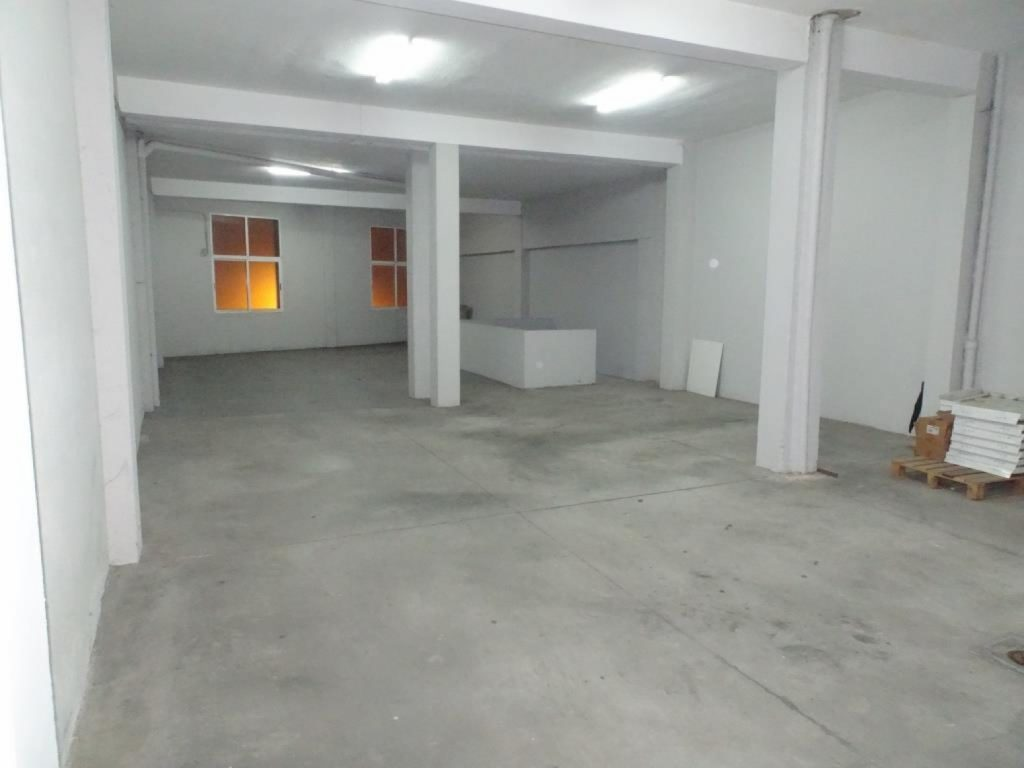 Local comercial y almacén, Rúa Río Eo