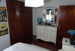 Piso de 4 dormitorios, Calle Mondoñedo