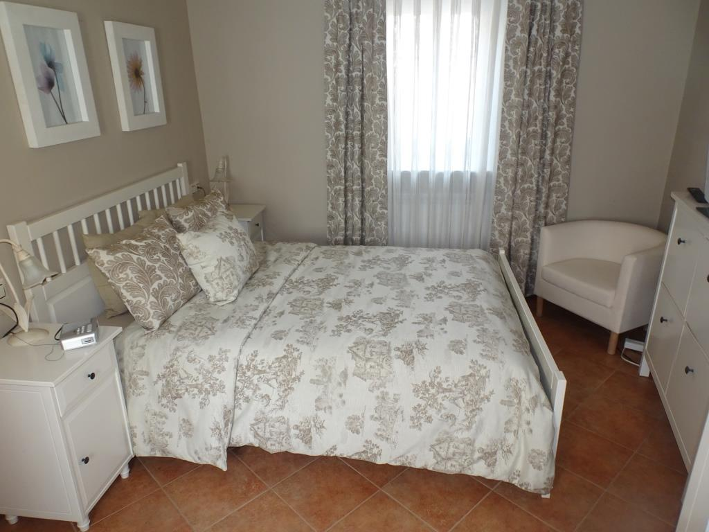 Casa de piedra pareada de 4 dormitorios, Parga