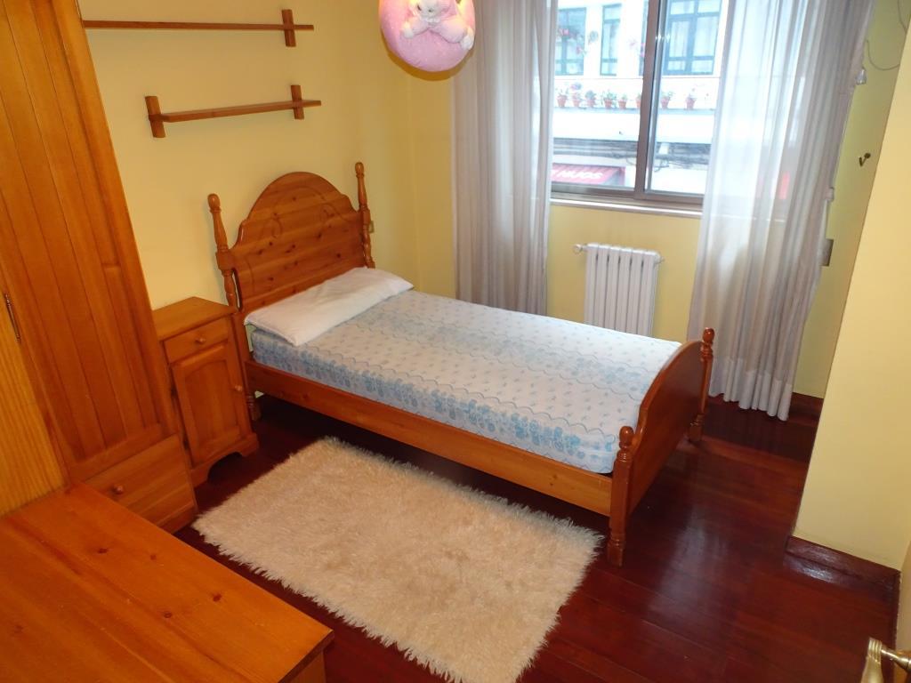 Piso de 4 dormitorios, Casas Baratas