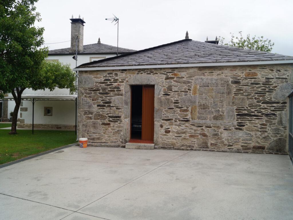 Casa de piedra, Santalla de Devesa